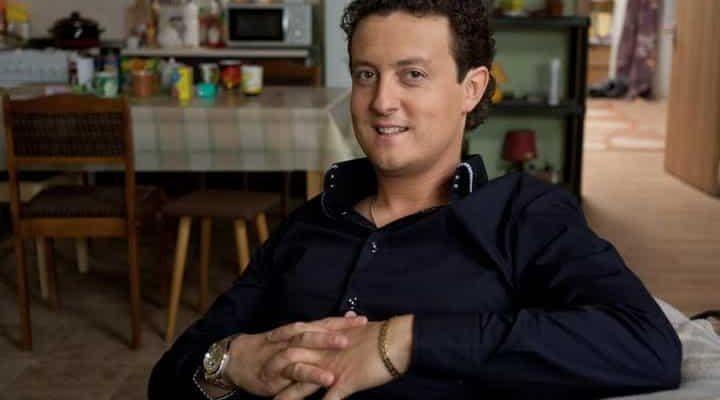 В какой серии появляется Антон Мартынов в сериале «Универ»?