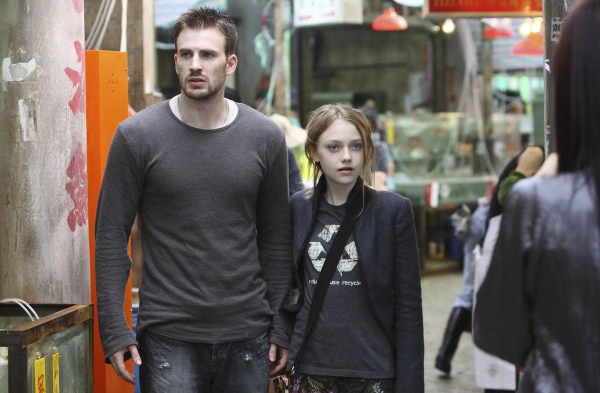 Как называется фильм, где девочка предсказывает будущее