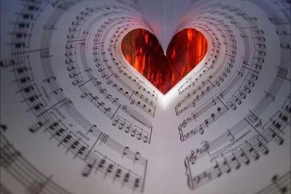 Топ-10 песен о любви, в которых действительно есть смысл